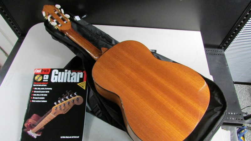 STRUNAL CLASSICAL GUITAR