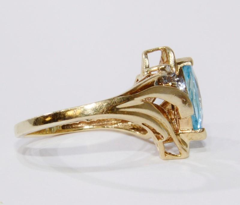 10K Yellow Gold Marquise Aquamarine & Diamond Ring Size 7