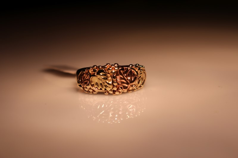 Lady's Gold Ring 10K Yellow Gold 5.29g
