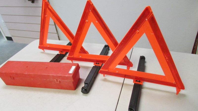 SIGNAL-STAT Miscellaneous Tool TRIANGLE FLARE KIT