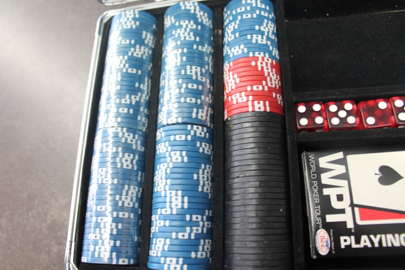 WORLD POKER TOUR Casino Collectible 300 PIECE POKER CHIP SET