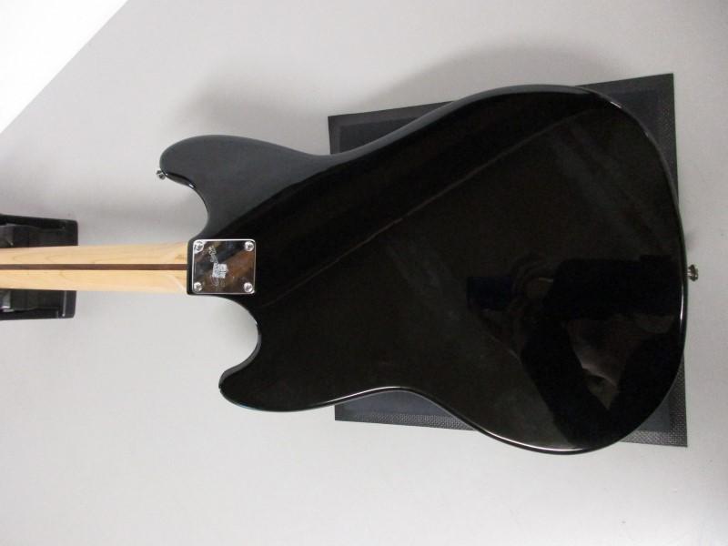 SQUIER BRONCO BASS, BLACK