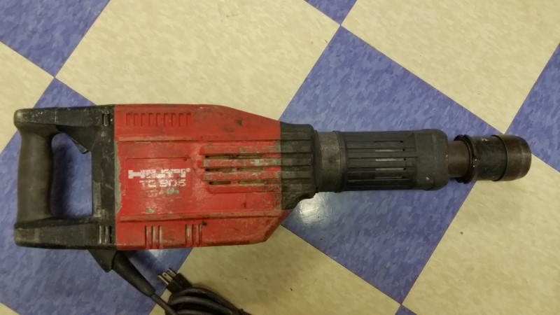 Hilti TE 905 Corded Heavy Duty Electric Demolition Jack Hammer Breaker