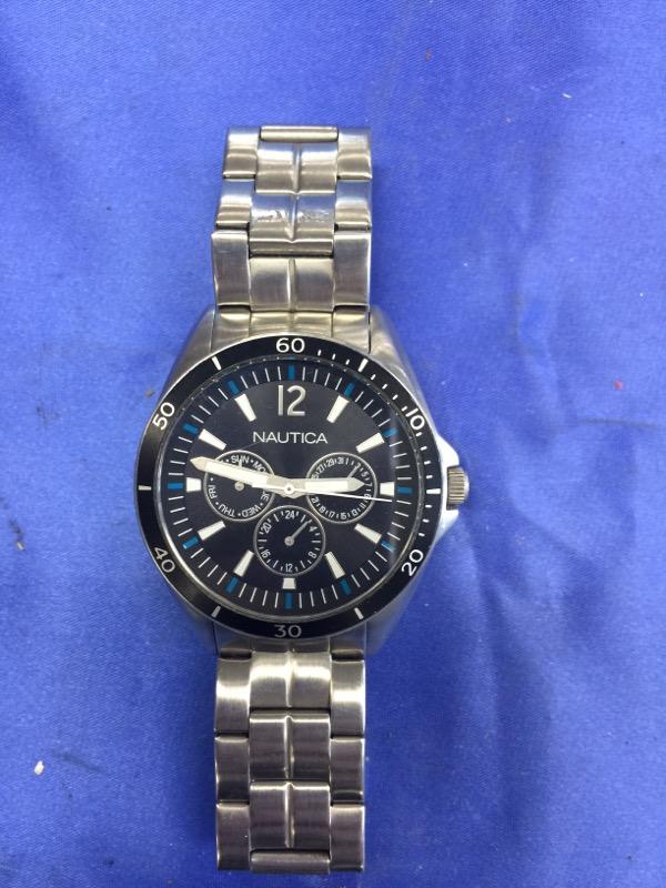 NAUTICA Gent's Wristwatch N13623G
