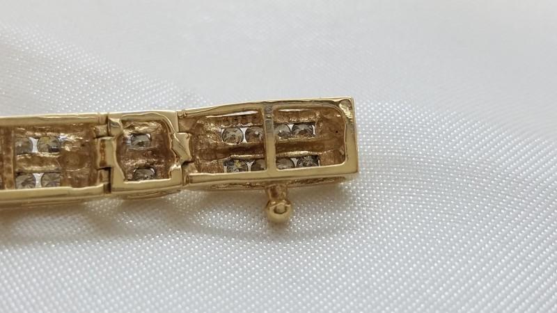 Gold-Diamond Bracelet 90 Diamonds 1.80 Carat T.W. 14K Yellow Gold 20.2g
