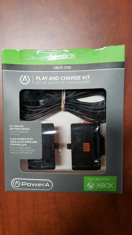 MICROSOFT Battery/Charger PLAY AND CHARGE KIT