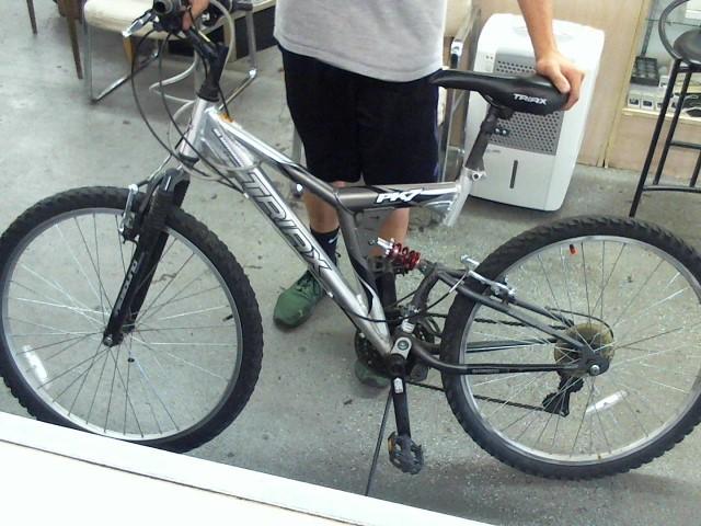TRIAX Mountain Bicycle PK7