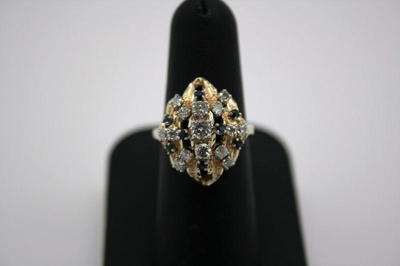 LADY'S DIAMOND & SAPPHIRE RING 14K WHITE GOLD