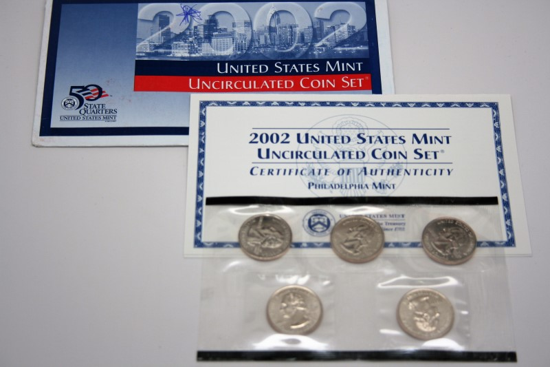 UNITED STATES MINT 2002 UNCIRCULATED COIN SET PHILADELPHIA