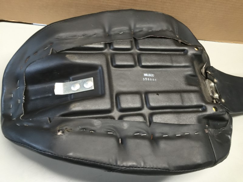 HARLEY-DAVIDSON Dyna Wide Glide Leather Seat 1998-2006 Single Person