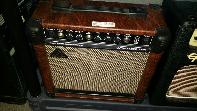 BEHRINGER Acoustic Guitar Amp ULTRACOUSTIC AT108