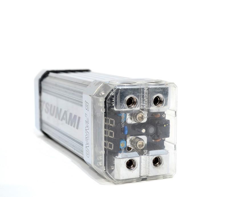 TSUNAMI LITEWAVE SERIES 5 FARAD BLOCK-STYLE CAPACITOR BLUE LCD METER