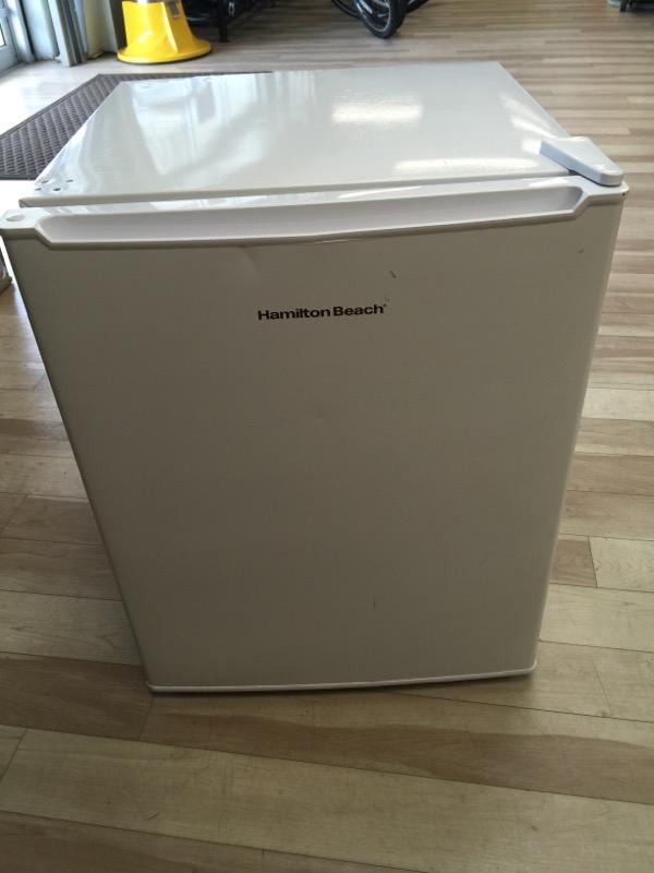 HAMILTON BEACH Refrigerator/Freezer REFHB27AW