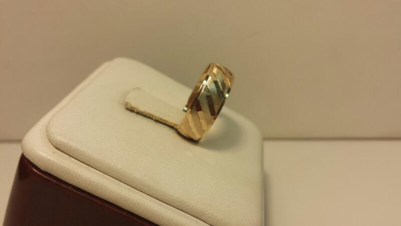 10k Yellow Gold Ring .9dwt - Size 5