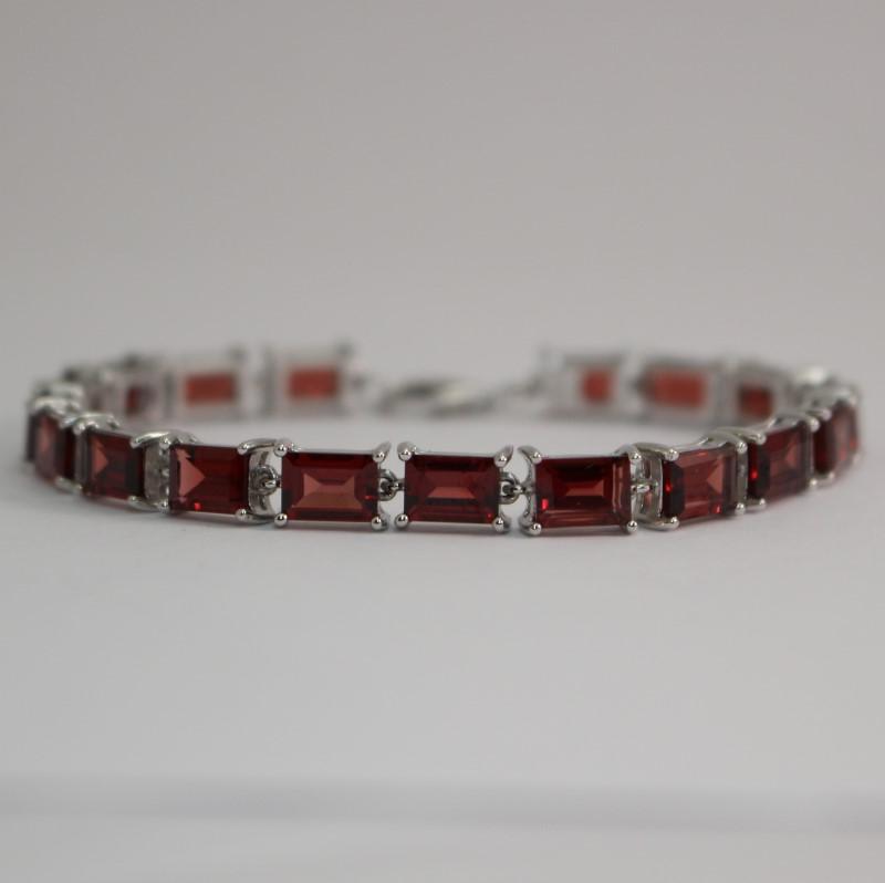 Synthetic Garnet Stone Bracelet 925 Silver 14.7g