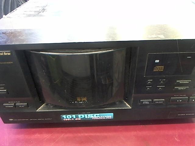 RCA 101-DISC CD PLAYER CD-9400