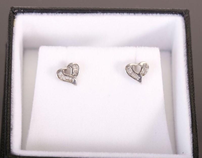 Earrings 14kwg & 4 Diamonds .04 Carat TW 1.3g