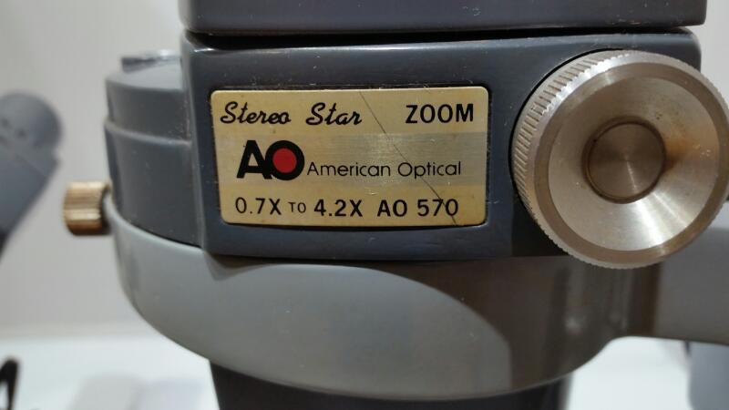 American Optical AO 570 0.7x-4.2x Dual Lens Binocular Microscope w/ AO 655 Light
