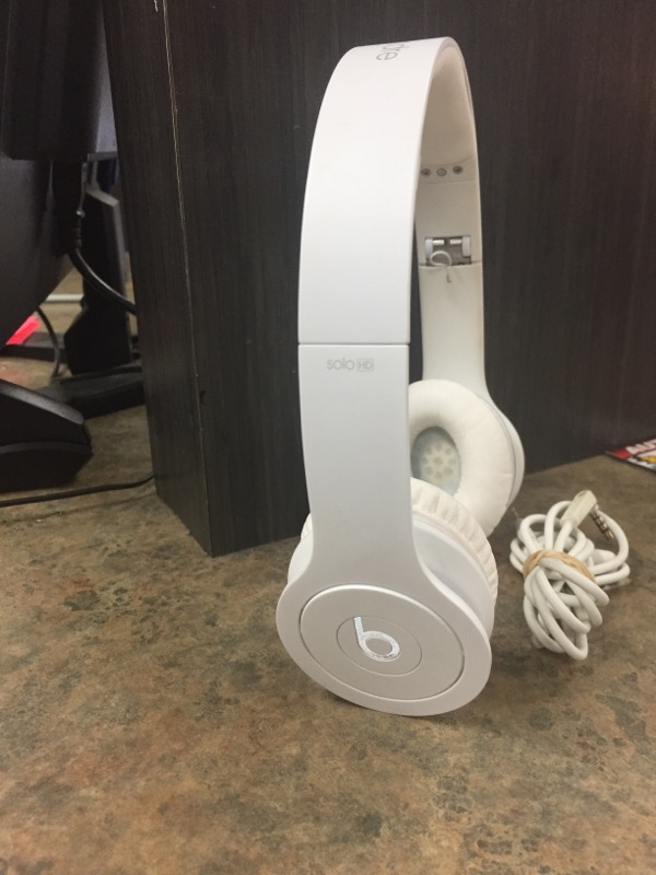 BEATS AUDIO Headphones SOLO HD