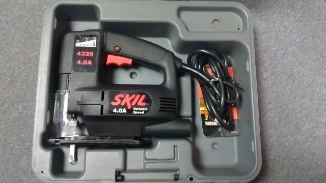 Skil 4339 Corded Variable Speed Jig Saw in Hard Case