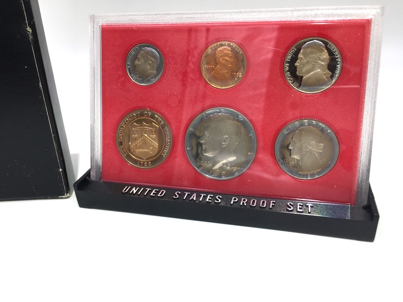 1982 United States Proof Set - Six Coins - Rainbow Tone - In Box