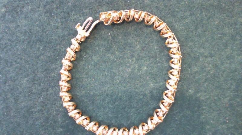 Gold-Diamond Bracelet 32 Diamonds .64 Carat T.W. 14K Yellow Gold 12g