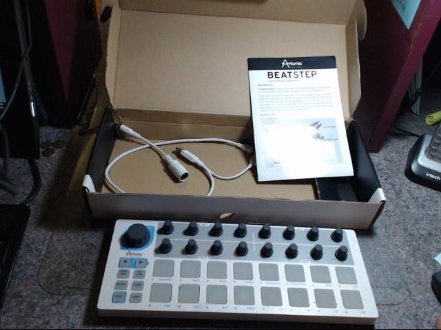 ARTURIA Synthesizer BEATSTEP