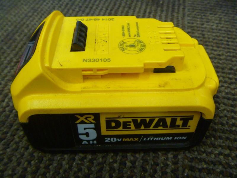 DEWALT DCB203 20V 2.0 AMP BATTERY
