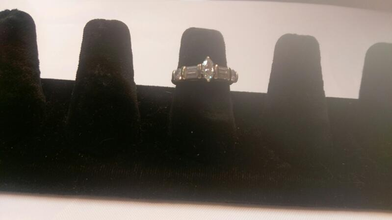 Lady's Diamond Engagement Ring 5 Diamonds 1.60 Carat T.W. 14K White Gold 4g