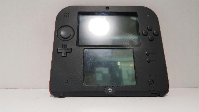 NINTENDO 2DS    WITH CHARGER