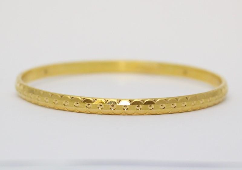 18K Yellow Gold Diamond Cut Etched Bangle Bracelet