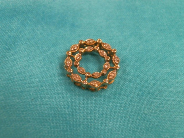 Gold-Multi-Diamond Pendant 14 Diamonds .14 Carat T.W. 10K Yellow Gold 0.9dwt
