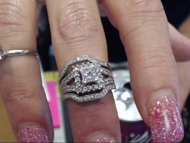 Lady's Diamond Wedding Set 77 Diamonds 1.67 Carat T.W. 14K Yellow Gold 5.6dwt