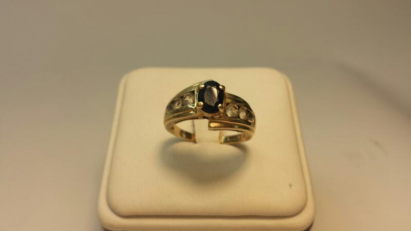 10k Yellow Gold Ring with 1 Blue Stone and 6 White Stones - 2.1dwt - Size 7