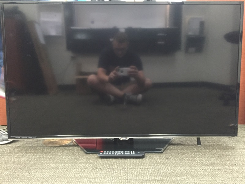 TCL Flat Panel Television 48FS4690