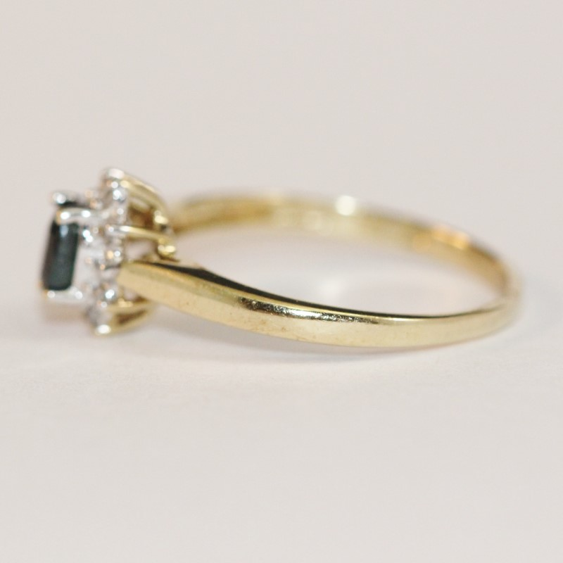 10K Yellow Gold Sapphire and Diamond Ring Size 6.25