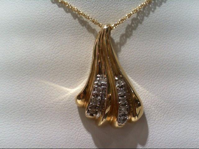 Gold-Multi-Diamond Pendant 8 Diamonds .19 Carat T.W. 14K Yellow Gold 5.8g