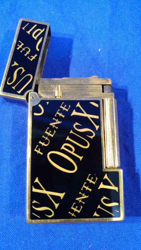 ST DUPONT Men's Accessory LIGHTER
