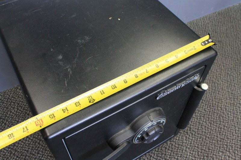 SENTRY SAFE MODEL SFW123CS