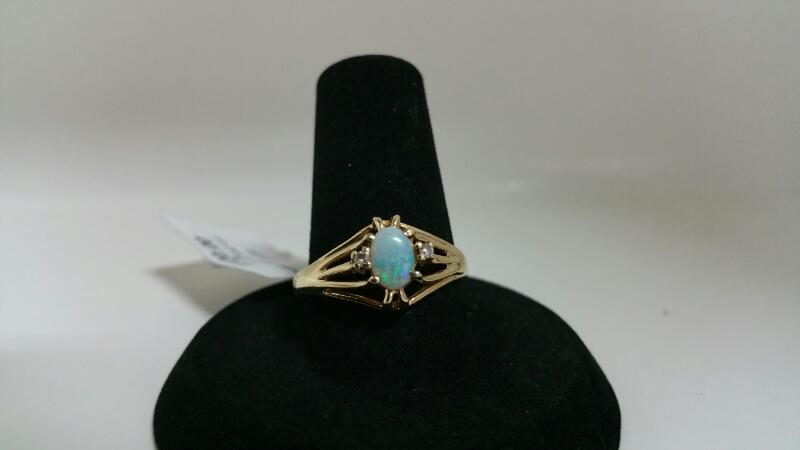 OPAL Synthetic Opal Lady's Stone Ring 14K Yellow Gold 1.5dwt