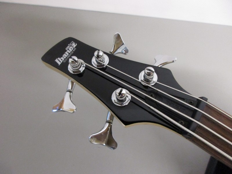 IBANEZ GIO SOUNDGEAR BASS GUITAR
