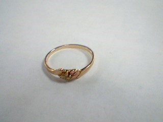 Lady's Gold Ring 10K Yellow Gold 0.8g Size:5