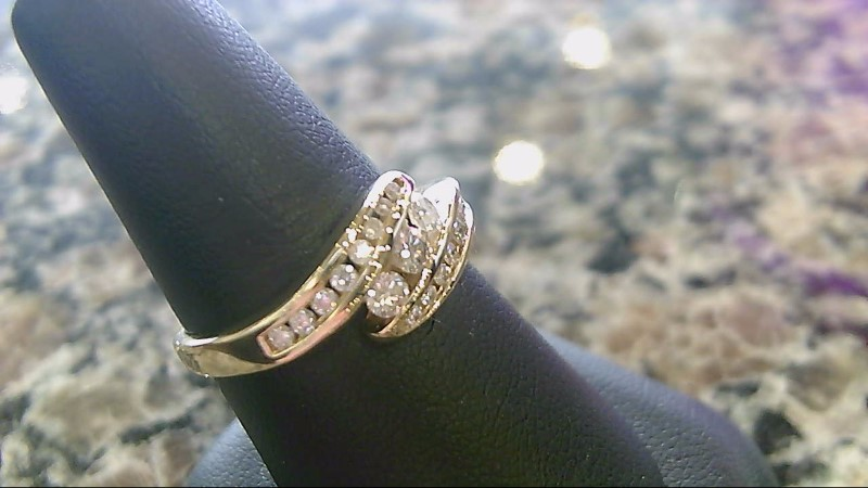 LADY'S 14K YELLOW GOLD ROUND DIAMOND RING