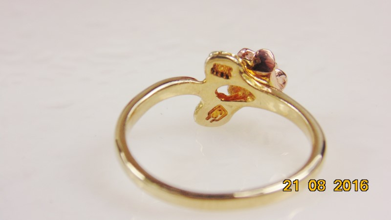 BLACK HILLS GOLD ROSE RING WITH TWO LEAVES 1.9g Size:5.25