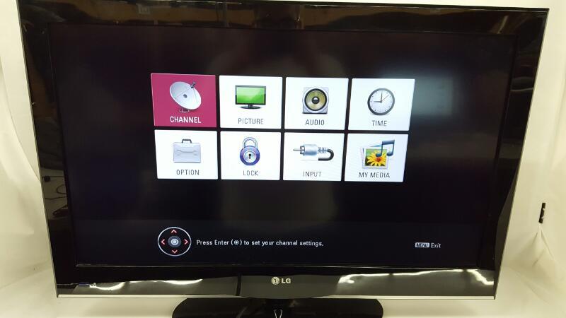 LG Flat Panel Television 32D400-UA