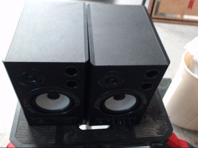 BEHRINGER Speakers MS40