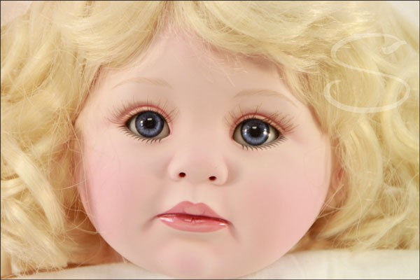 "MARIE OSMOND 2007 ""WHIPPED CREAM"" 12-INCH TODDLER PORCELAIN DOLL"
