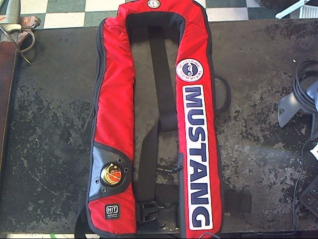 MUSTANG SURVIVAL INFLATABLE PFD MD3183