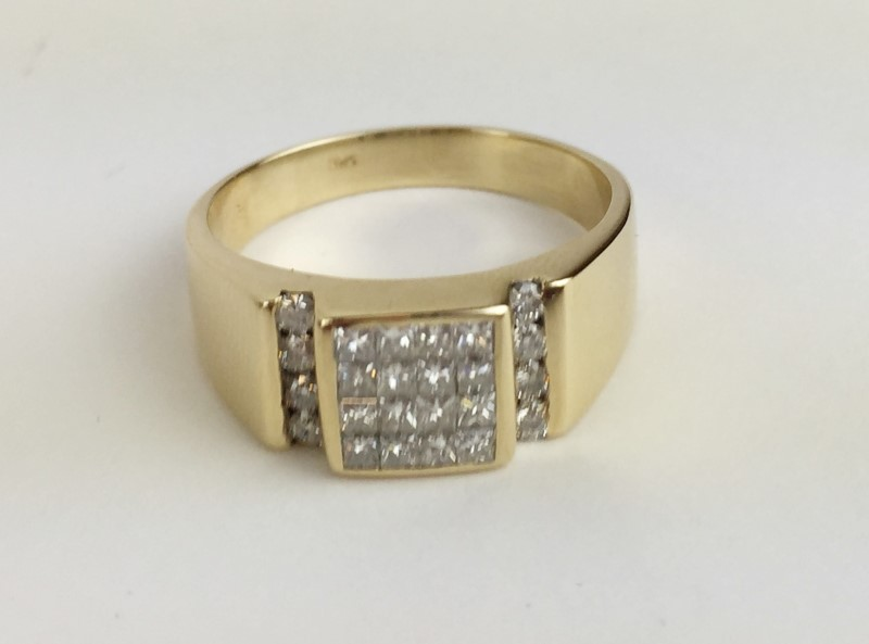 Gent's Diamond Cluster Ring 24 Diamonds .88 Carat T.W. 10K Yellow Gold 6.62g