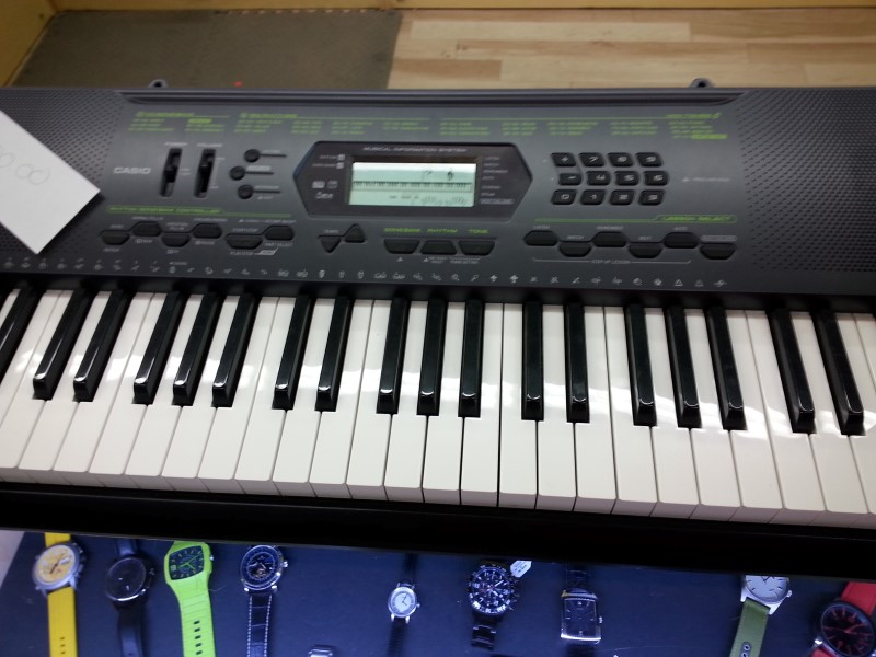 CASIO Keyboards/MIDI Equipment CTK-2000